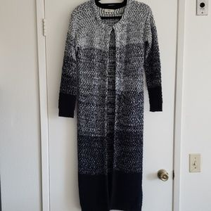 Sweaters - Ladies long woven sweater